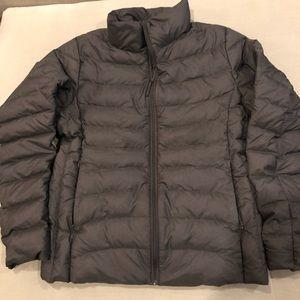 Uniqlo szM gray lightweight packable down jacket